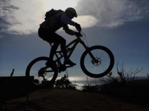 Es gibt zahlreiche Rollentrainer für ein Mountainbike